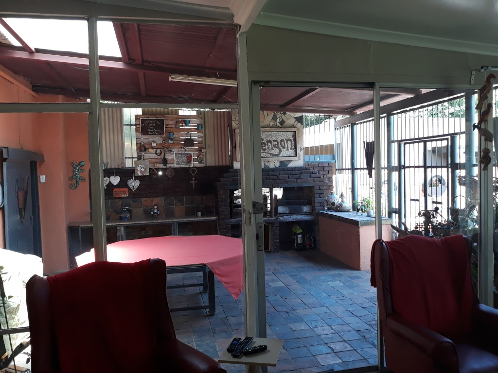 4 Bedroom House for sale in Florentia ENT0085926 : photo#15