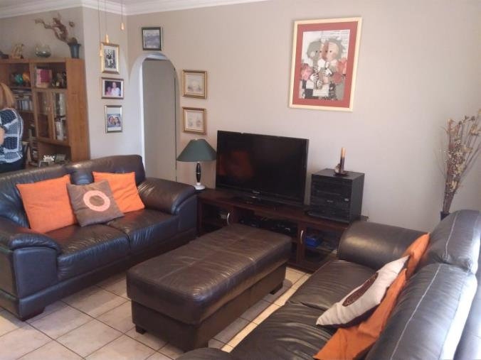 2 Bedroom House for sale in South Crest ENT0074616 : photo#3