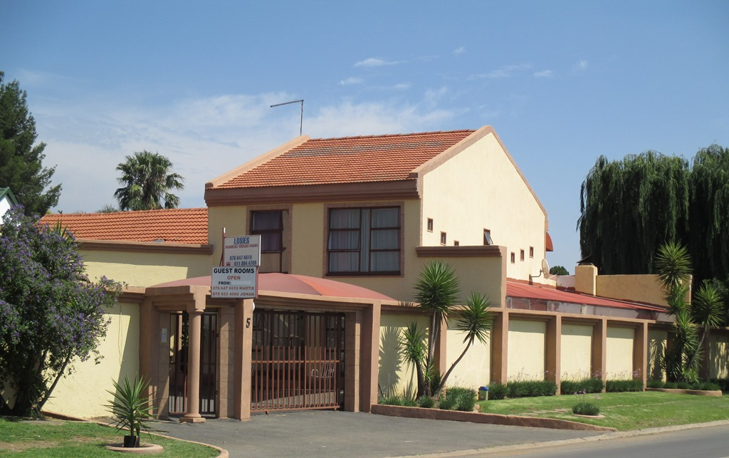 15 BedroomHouse For Sale In Beyerspark