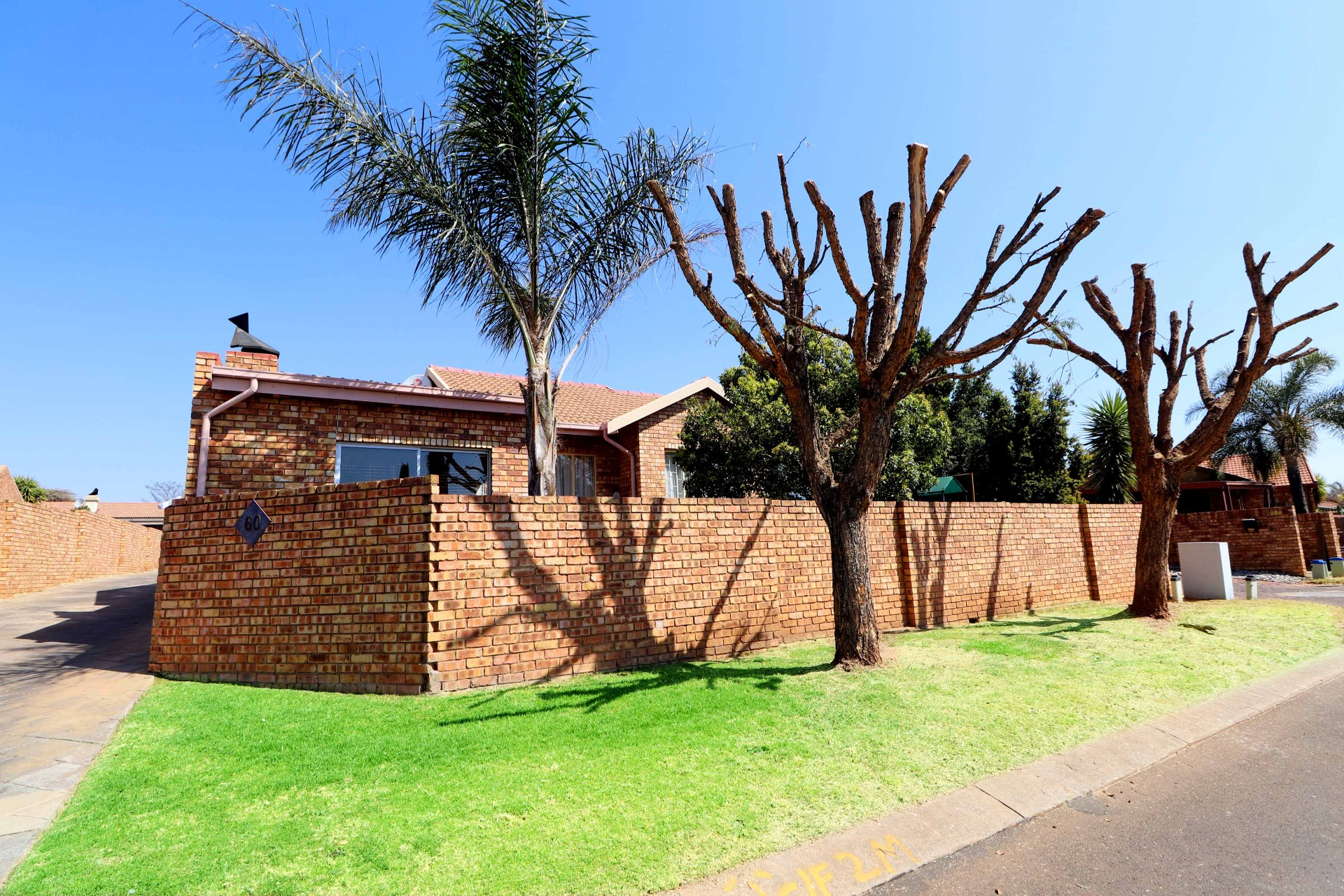 Beautiful in Amberfield Heights Estate - Perfectly Priced and Ready to SELL 3 BEDROOM