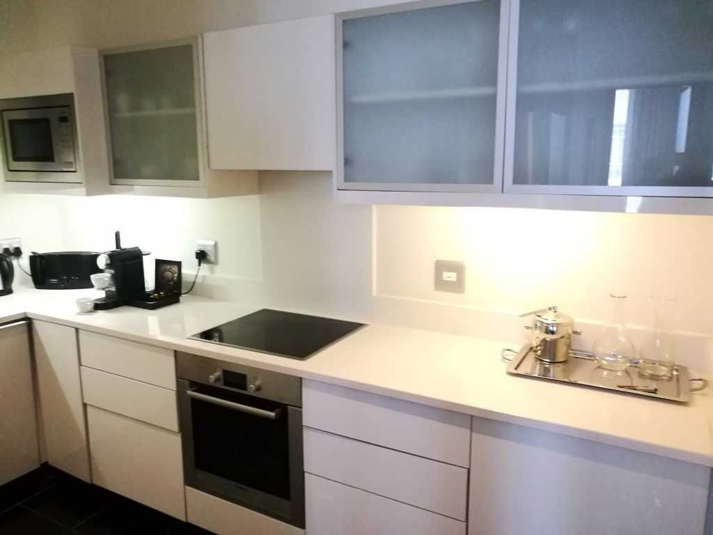 Prestigious One  Bedroom Apartment a