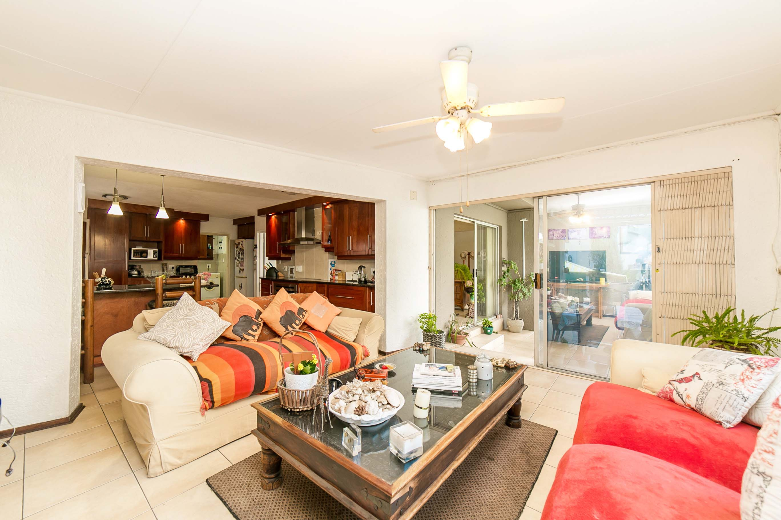 4 Bedroom House for sale in Lonehill ENT0082001 : photo#9