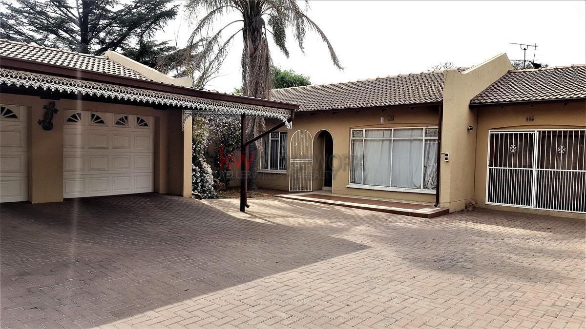 4 BedroomHouse For Sale In Brackenhurst