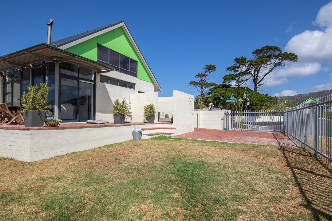 I'm walking on Sunshine – Family home in secure estate Milkwood Park