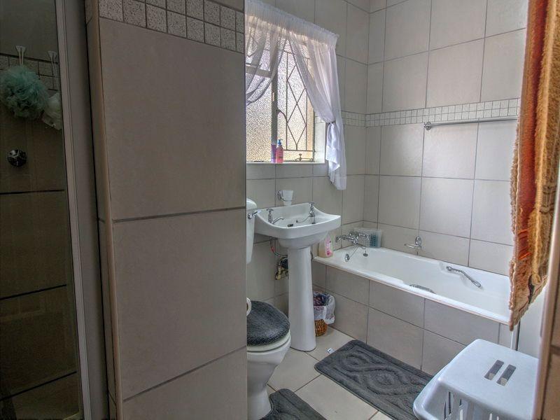3 Bedroom House for sale in Glen Marais ENT0090582 : photo#7
