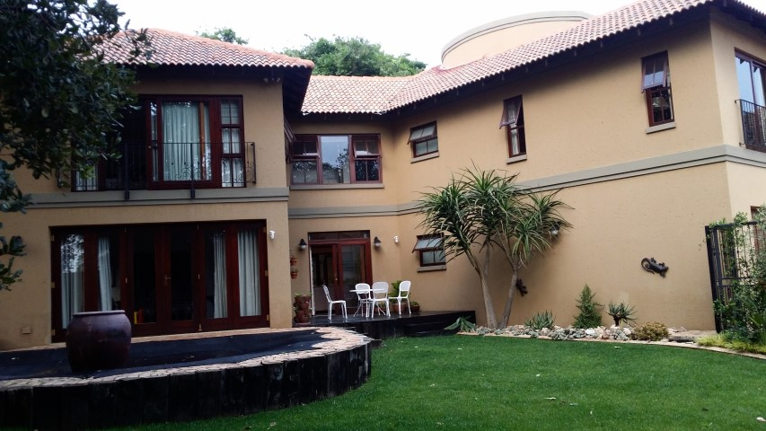5 BedroomHouse For Sale In Bryanston