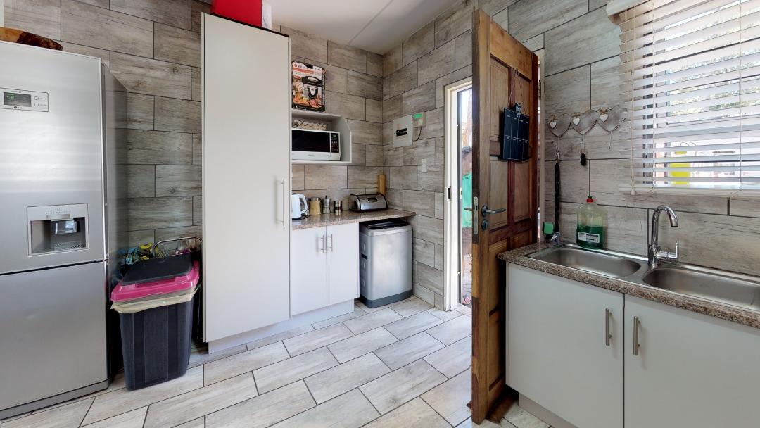 1-Sunny-side-Ridge-Kitchen(1).jpeg