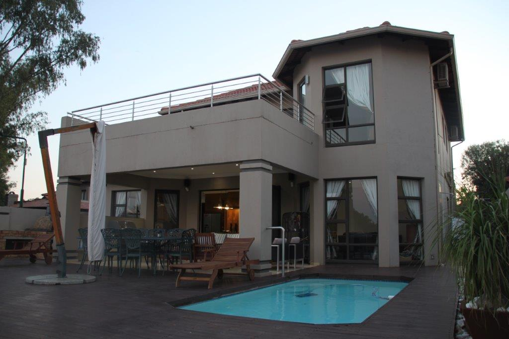 5 BedroomHouse For Sale In Hartbeespoort