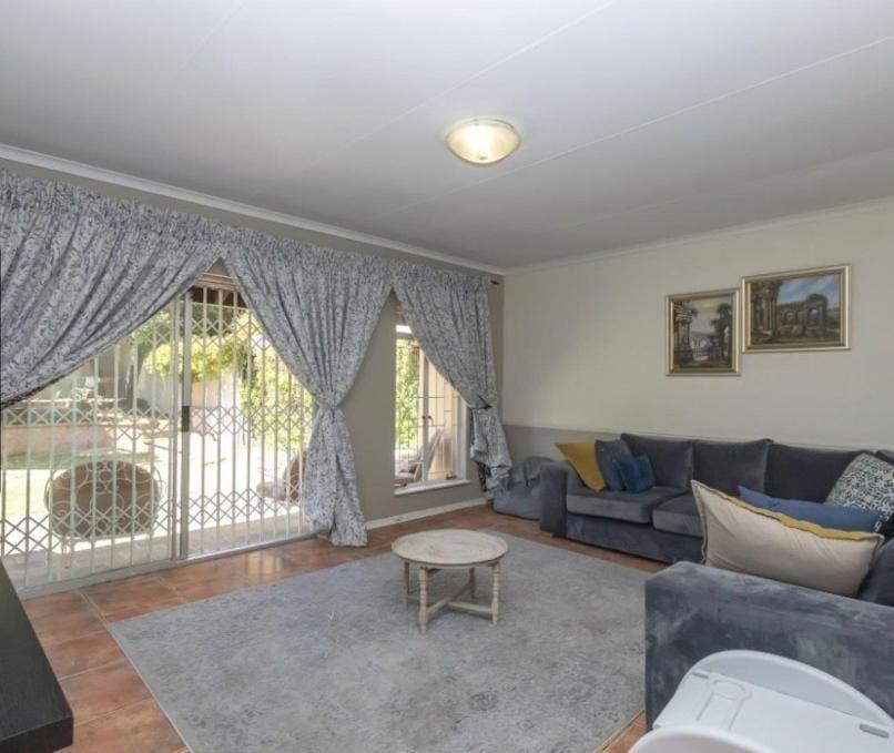 3 BEDROOM FAMILY HOME FOR SALE IN RIVONIA,SANDTON