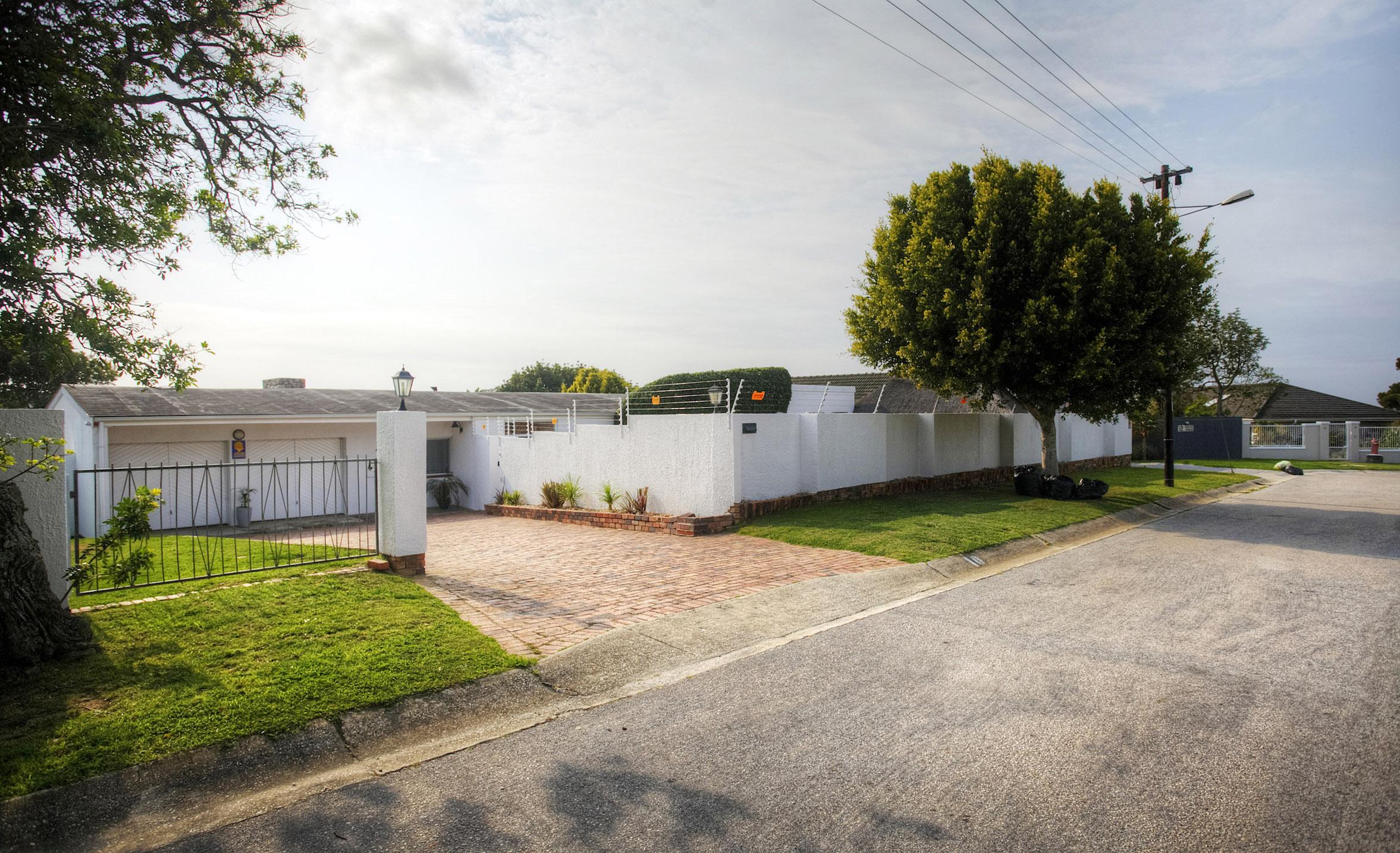 3 BedroomHouse For Sale In Linkside