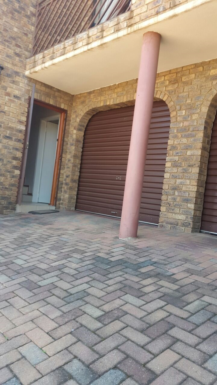 3 Bedroom Townhouse for sale in Ridgeway ENT0075146 : photo#0