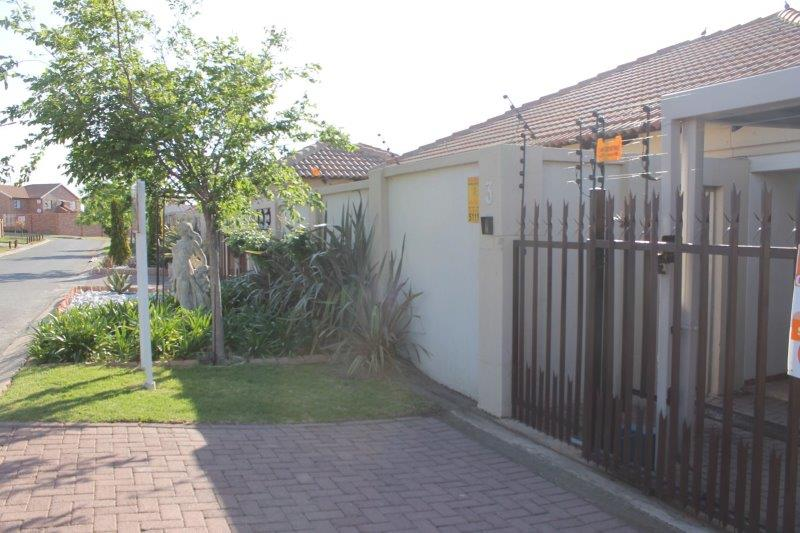 3 Bedroom Townhouse for sale in Secunda & Ext ENT0009056 : photo#15