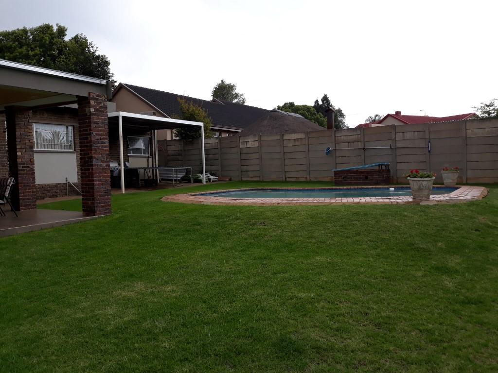 3 Bedroom House for sale in Verwoerdpark ENT0084761 : photo#2