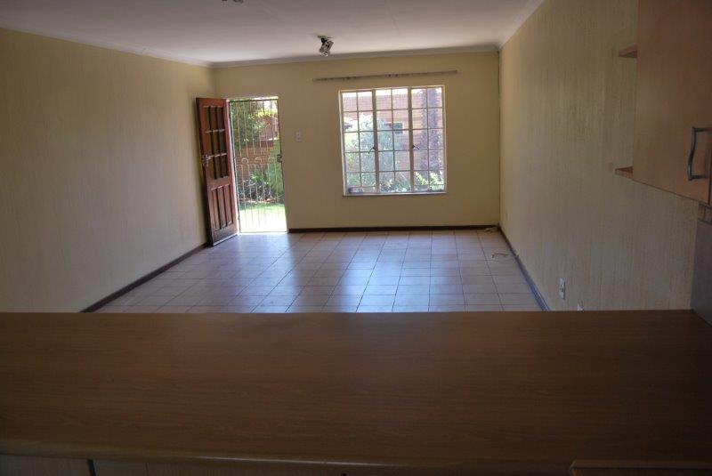 2 Bedroom Townhouse sold in Clubview ENT0077782 : photo#12