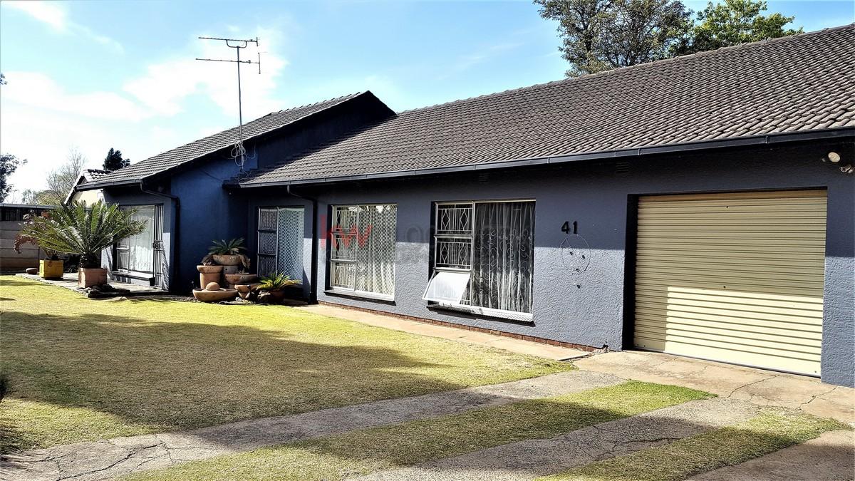 4 Bedroom House with Flatlet for Sale in Brackenhurst