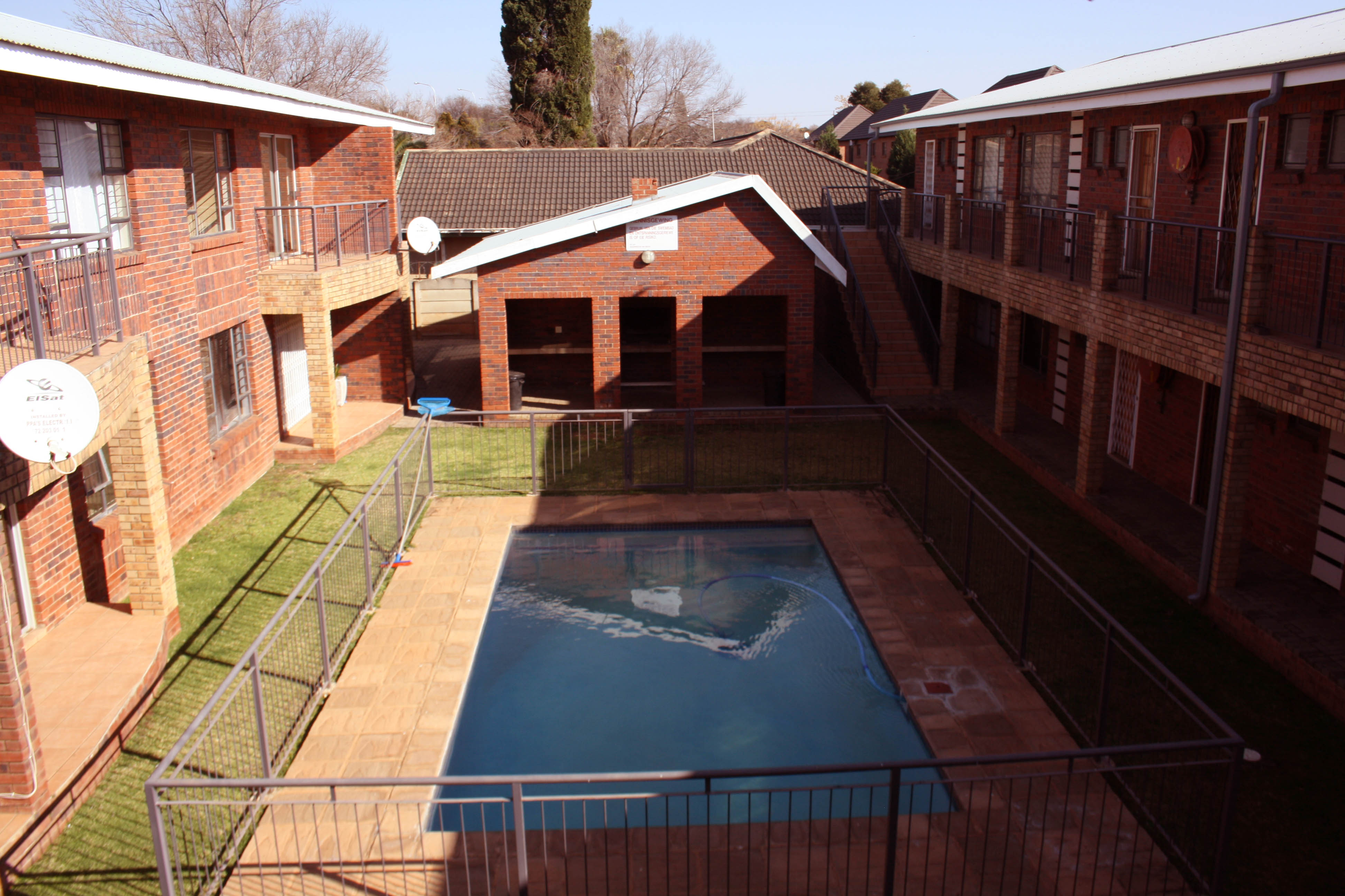2 BedroomApartment For Sale In Bult West