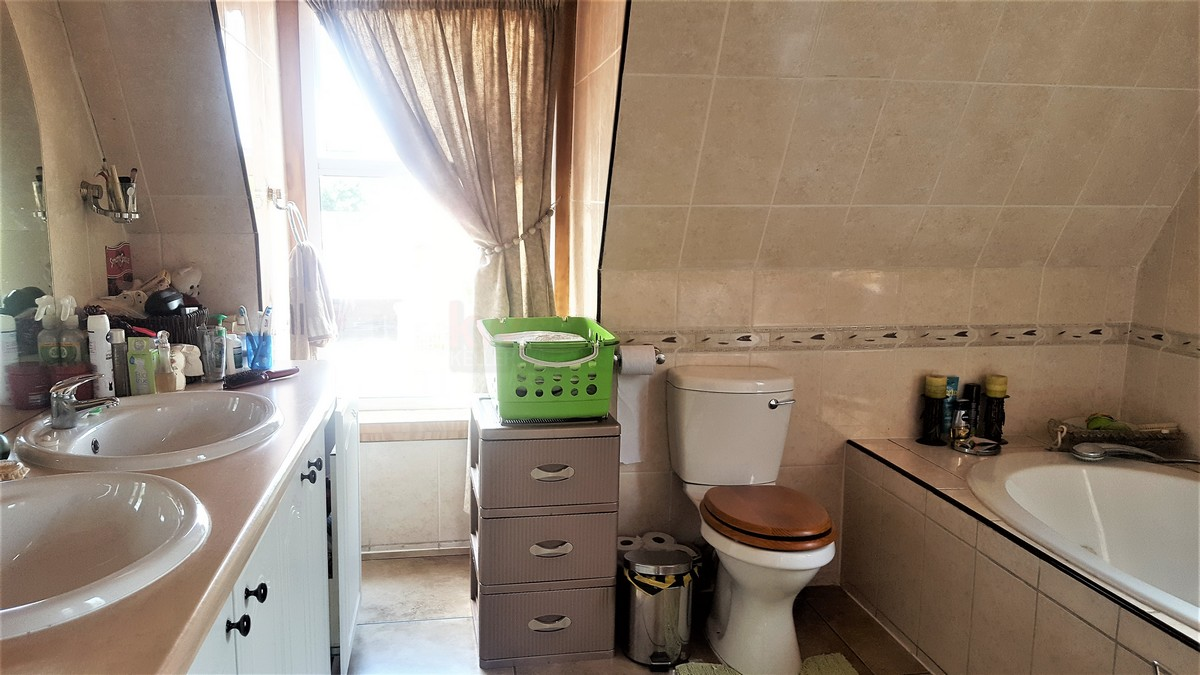 4 Bedroom House for sale in Verwoerdpark ENT0079262 : photo#7