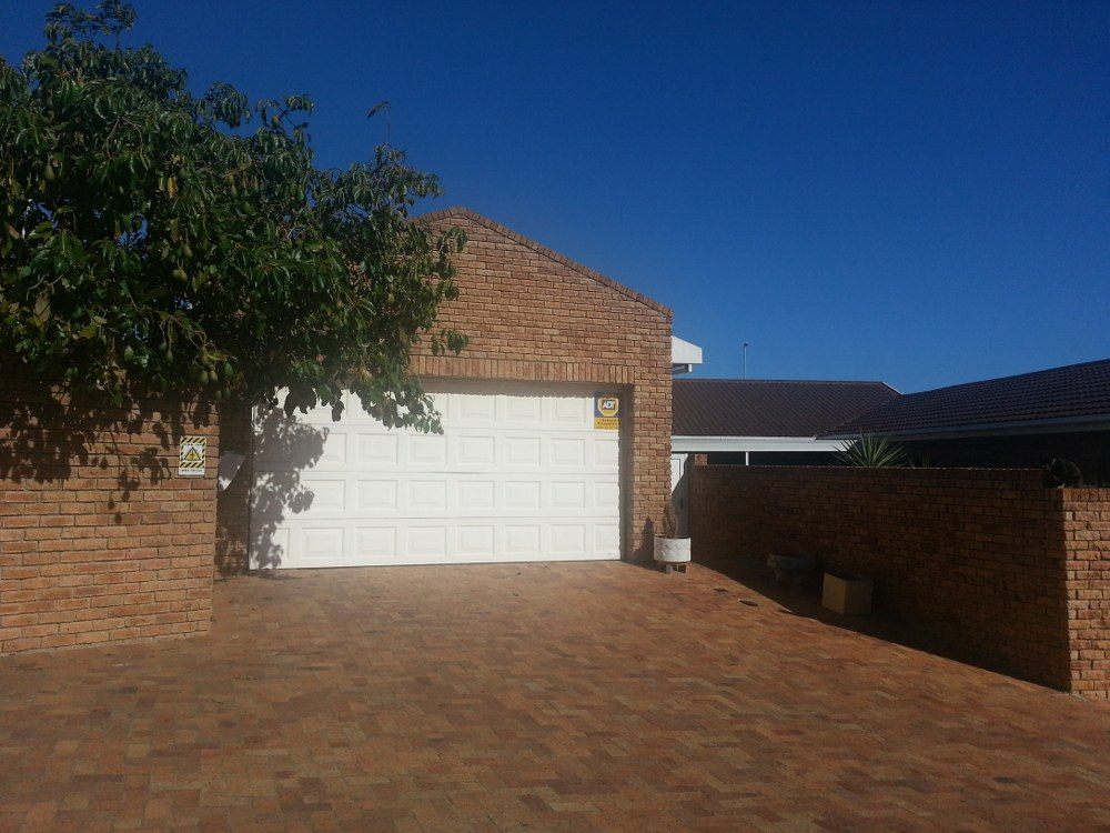 Townhouse for sale in Plattekloof ENT0027350 : photo#1