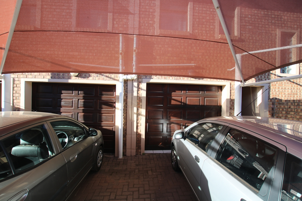 3 BedroomTownhouse For Sale In Middelburg
