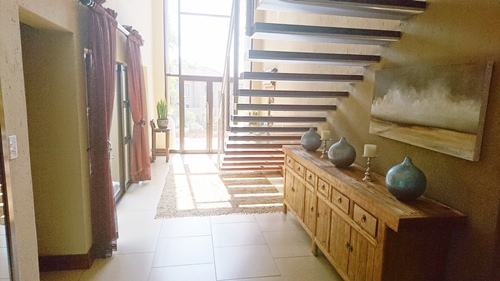 4 Bedroom House for sale in Olympus ENT0079759 : photo#2