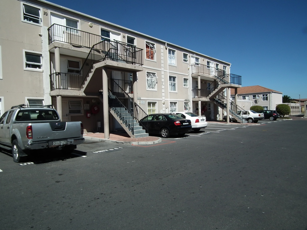 2 Bedroom Flat/Apartment For Sale in Strand