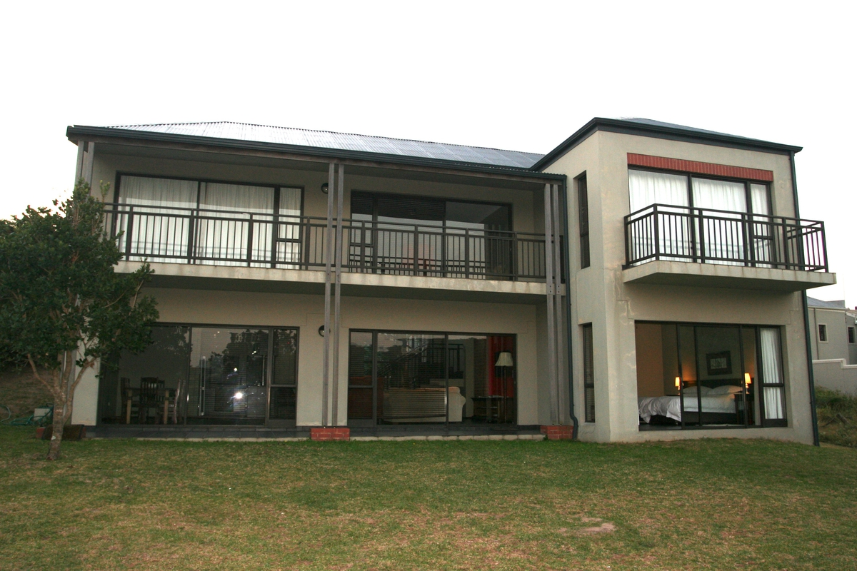 6 BedroomHouse For Sale In Blythedale