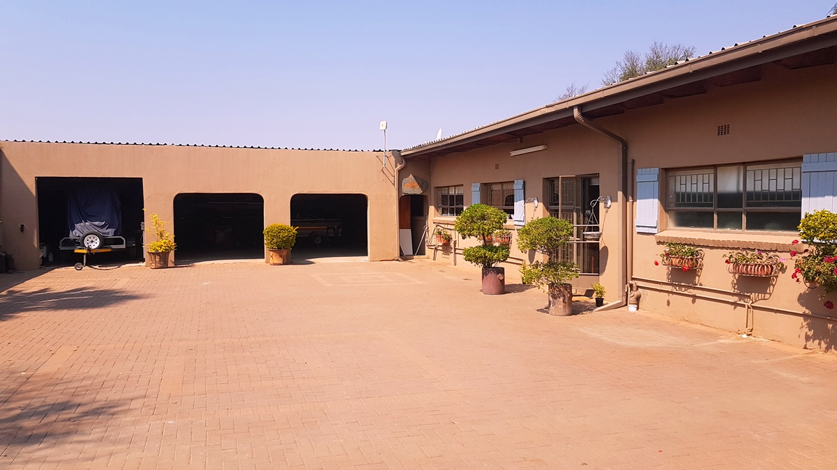 5 Bedroom House for sale in Brits ENT0081489 : photo#6