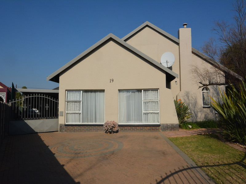 4 BedroomHouse For Sale In Atlasville
