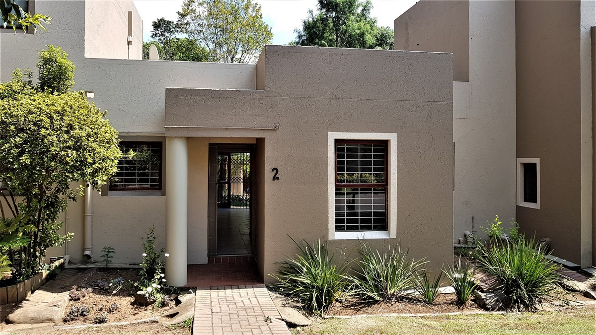 2 BedroomTownhouse For Sale In New Market Park