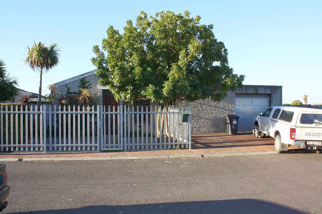 2 BedroomHouse For Sale In Bonnie Brae