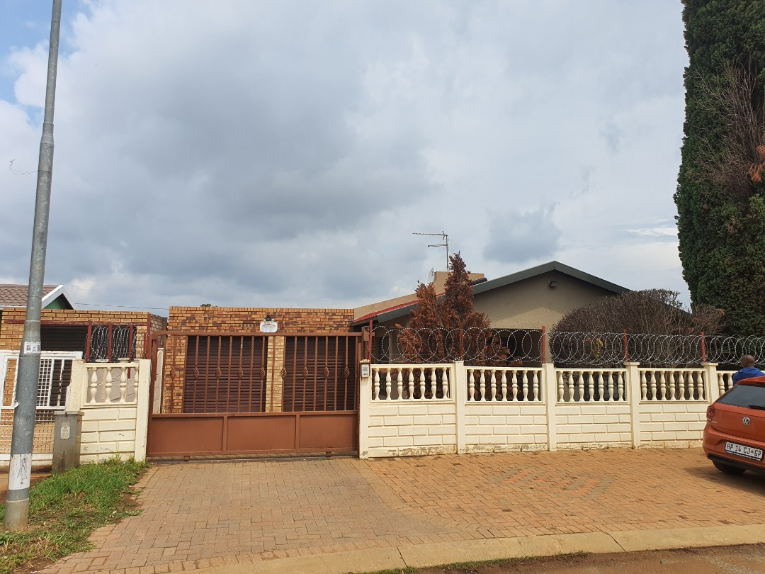 Immaculate 3 Bedroom Home For Sale