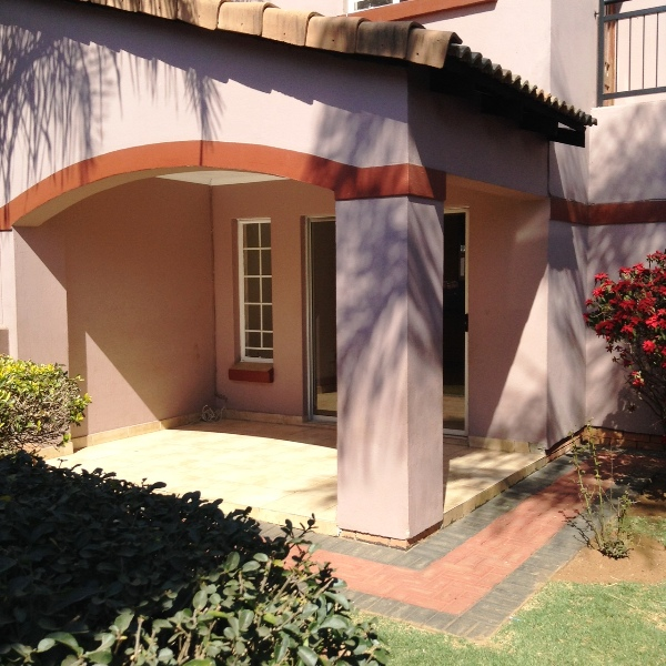 3 BedroomTownhouse To Rent In Castleview