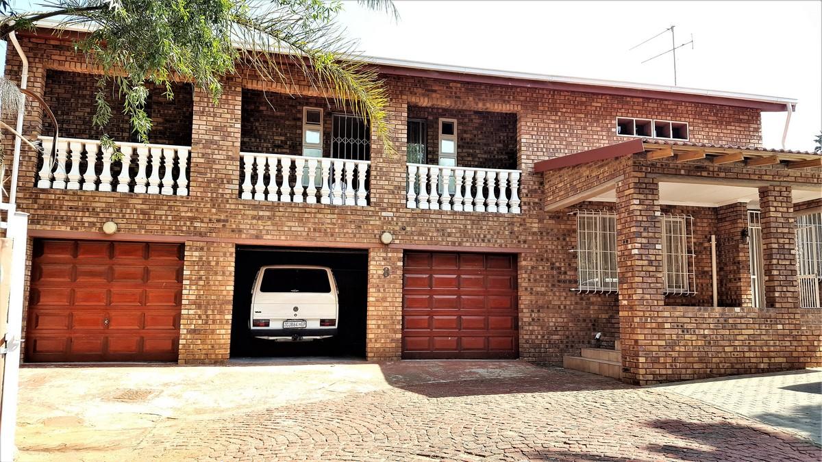 4 BedroomHouse For Sale In Glenvista