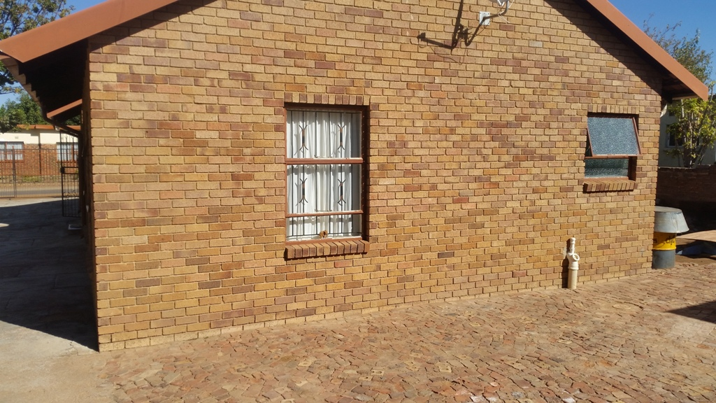 3 Bedroom House for sale in Lethlabile ENT0033388 : photo#11