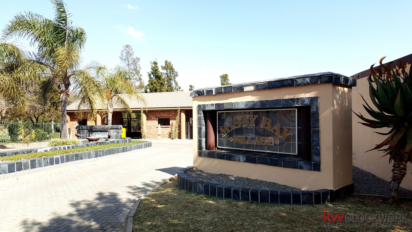 5 BedroomCluster For Sale In Vaal Marina