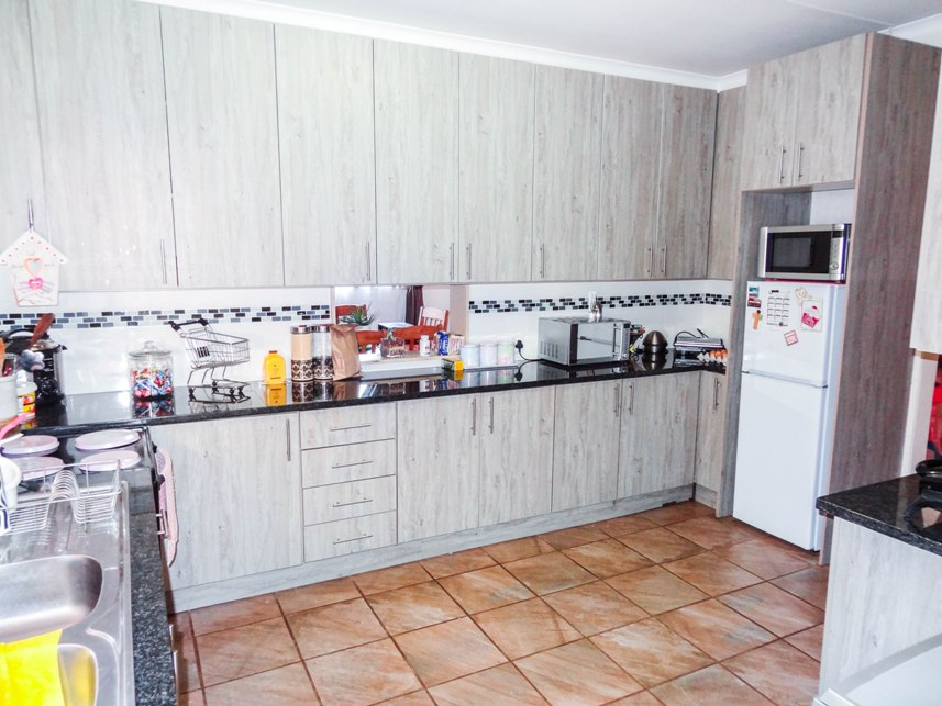 3 Bedroom House for sale in Claremont ENT0075223 : photo#1