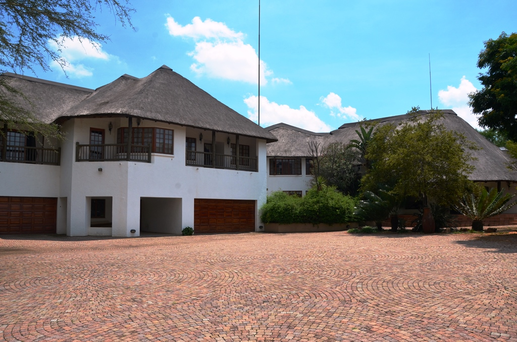 4 BedroomHouse For Sale In Ruimsig