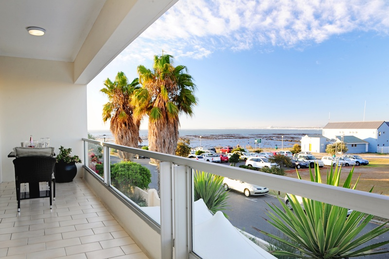 11 Bedroom House for sale in Melkbosstrand ENT0031045 : photo#0