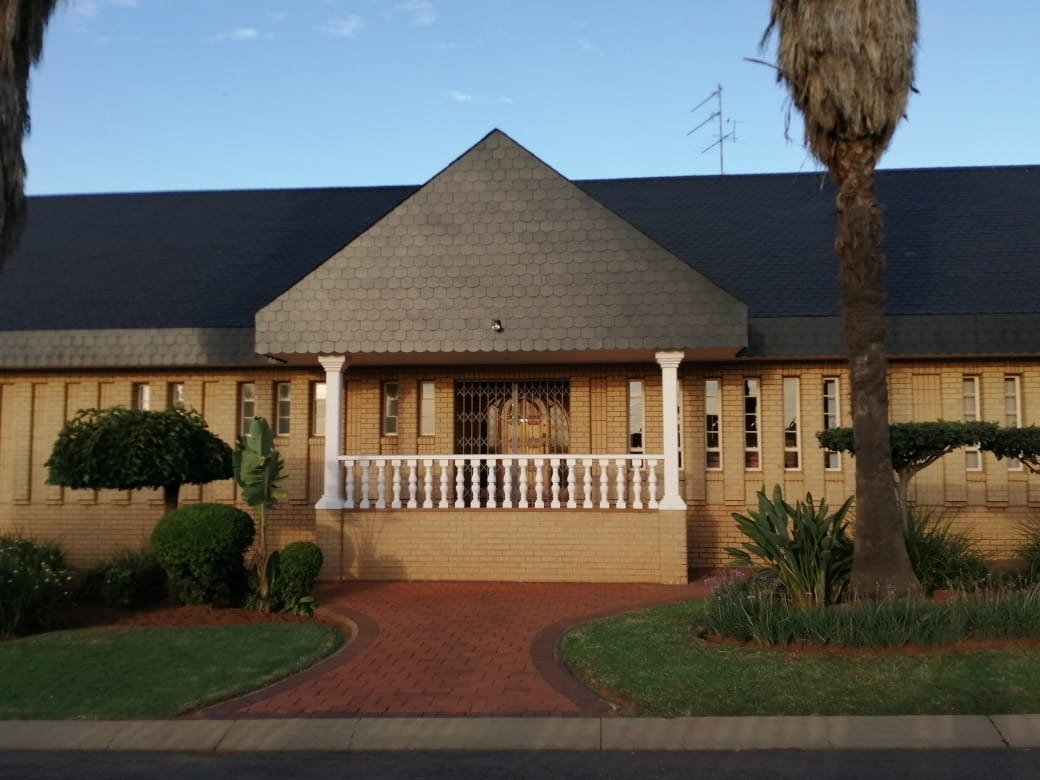 4 Bedroom Beauty in Lenasia South