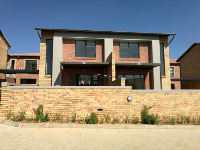 2 BedroomTownhouse To Rent In Kimbult A H