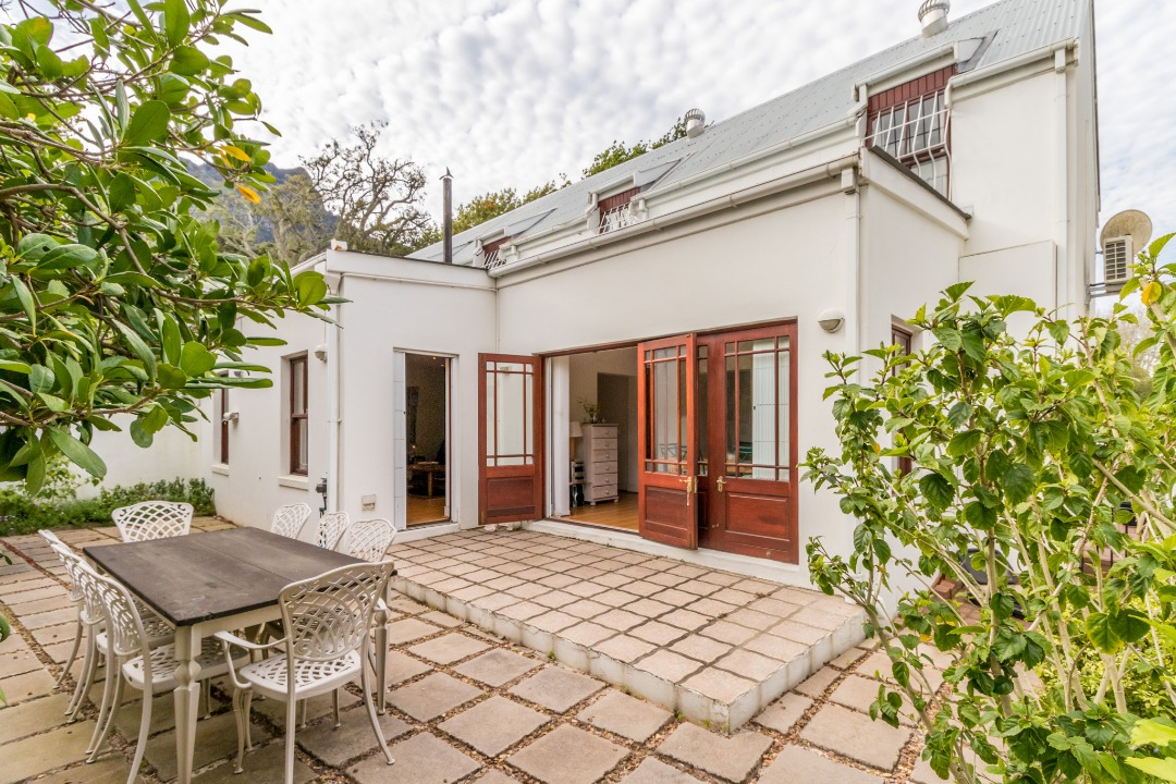 Perfect Lock And Go Semi Detached Home!
