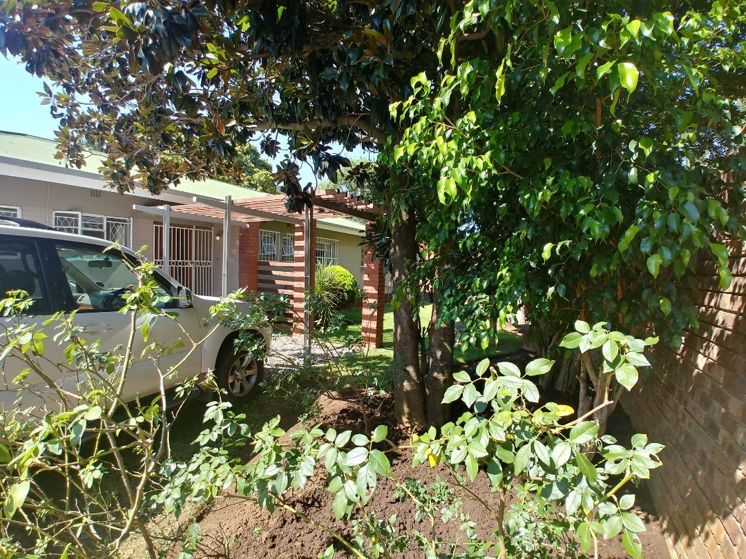 3 Bedroom close to Menlo Schools