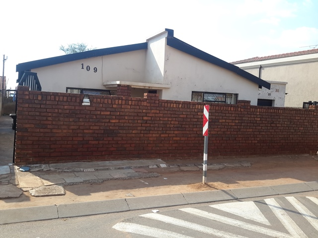3 BedroomHouse For Sale In Leboeng