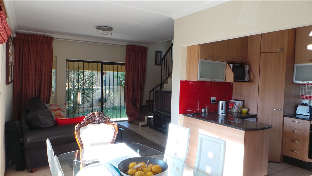 3 Bedroom Townhouse for sale in Northgate ENT0033297 : photo#2