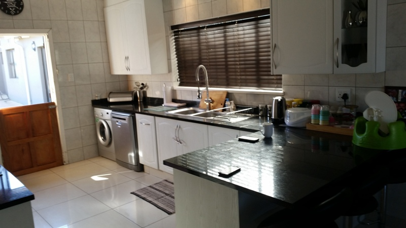 3 Bedroom House for sale in Sunnyridge ENT0049482 : photo#2
