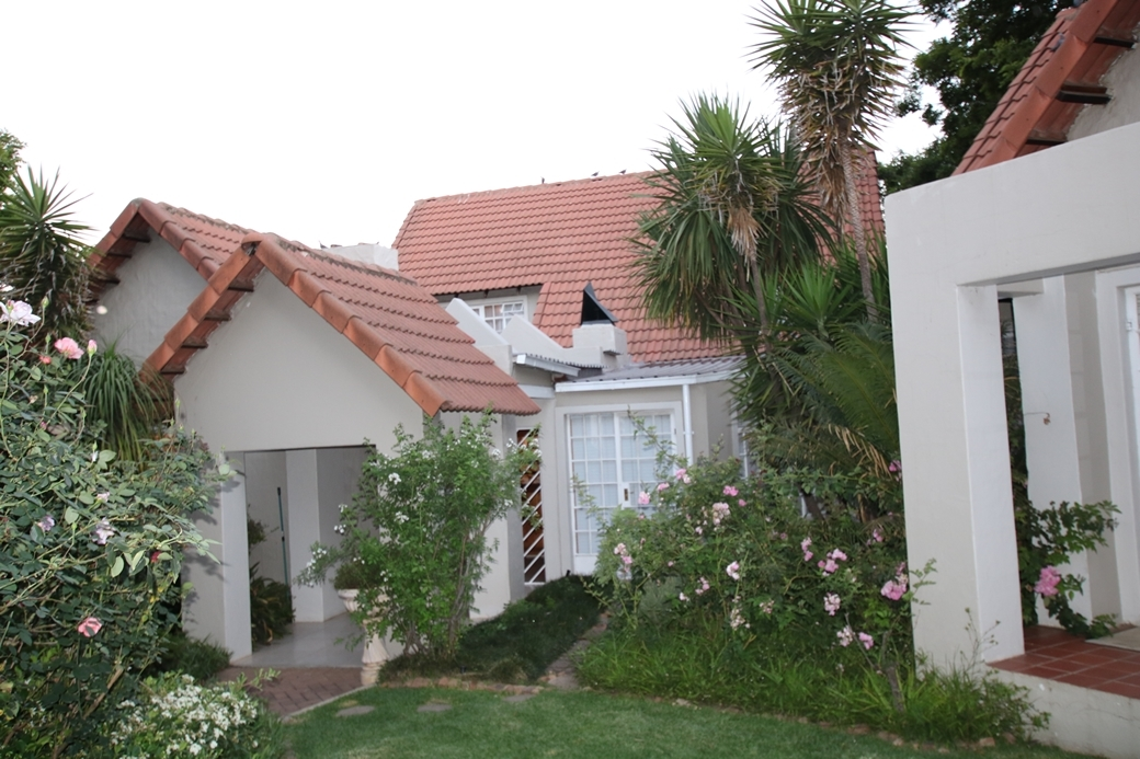 5 BedroomHouse For Sale In Gholfsig