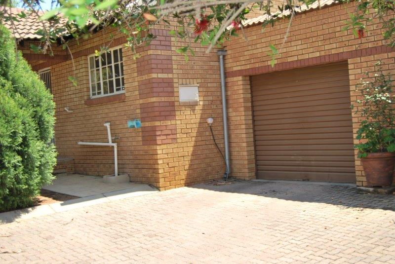 2 Bedroom Townhouse sold in Clubview ENT0067689 : photo#0