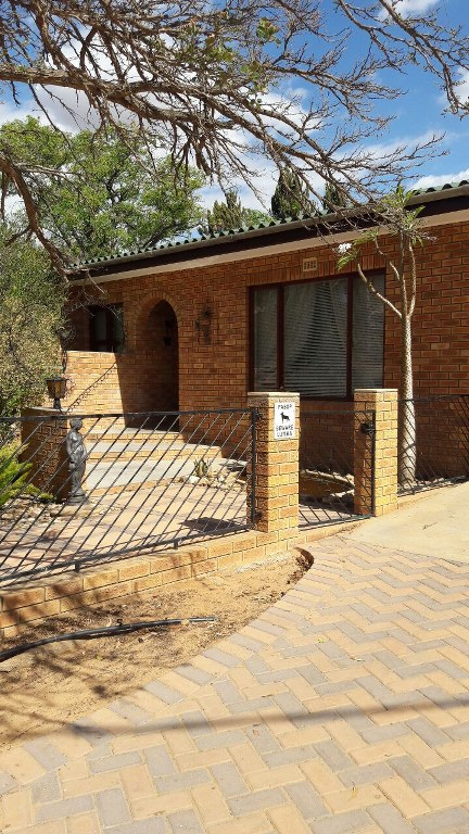 3 BedroomHouse For Sale In Clanwilliam