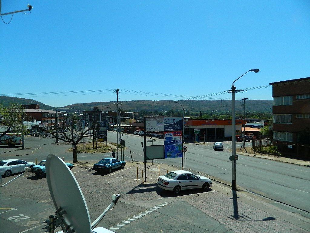 Bargain investment flat in Gezina selling at below market value owner immigrating.