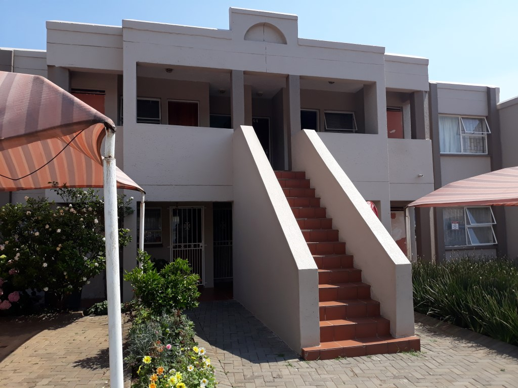 2 Bedroom Townhouse for sale in Glenanda ENT0079386 : photo#0
